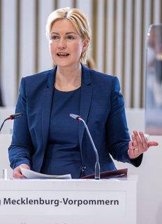 Manuela Schwesig warnt vor einem unüberlegten Schnellschuss.