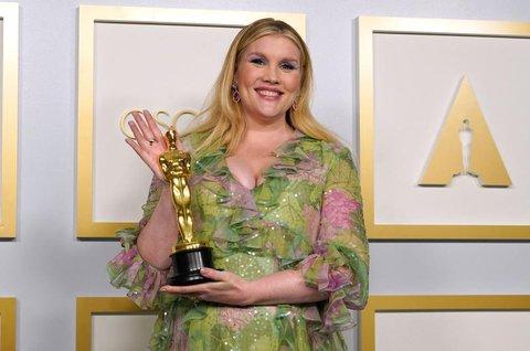 Emerald Fennell mit Oscar.