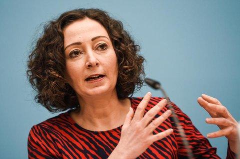 Berlins Wirtschaftssenatorin Ramona Pop bei einer Pressekonferenz