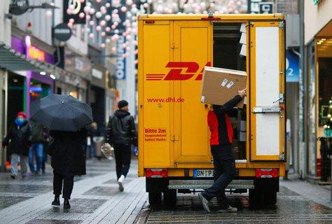 DHL geht davon aus auch in den kommenden Jahren viel Impfstoff zu transportieren.