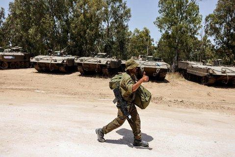 Ein israelischer Soldat nahe der Grenze zum Gaza-Streifen.