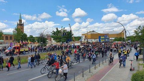 Mietenwahnsinn-Demo in der Potsdamer Straße