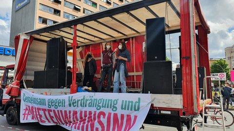 Kundgebung am Nollendorfplatz