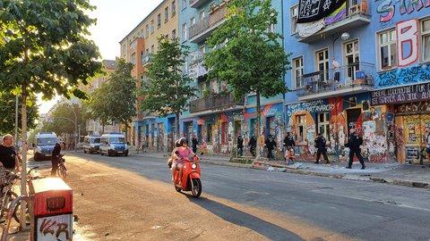 Rigaer Straße am Donnerstagabend