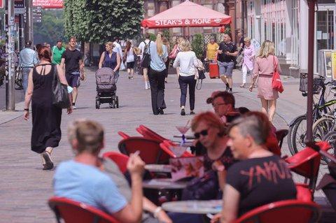 In der mecklenburg-vorpommerschen Landeshauptstadt Schwerin liegt die Inzidenz sogar bei Null.