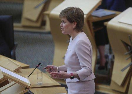 Die Chefin der Regionalregierung, Nicola Sturgeon, am Dienstag im Parlament in Edinburgh.