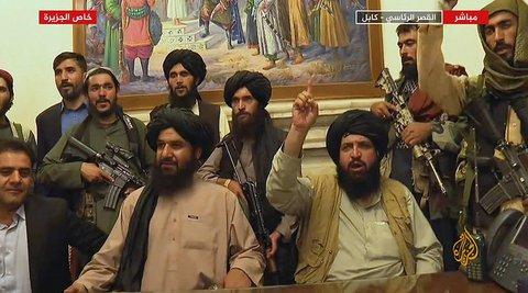 Die Taliban im Präsidentenpalast in Kabul.