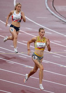 Lindy Ave, lolos ke final 400m
