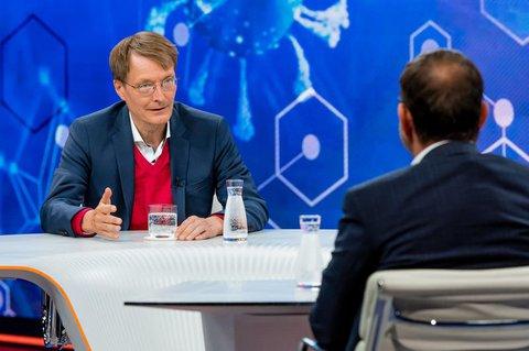 Karl Lauterbach, Gesundheitsexperte der SPD (l)