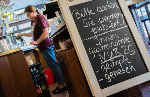 Ein Restaurant in Braunschweig nutzt die 2G-Regel.