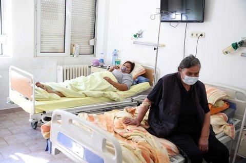 Patienten in der COVID-19-Station des St. Anna-Krankenhauses in Sofia, Bulgarien. Das Bild wurde am 19. Oktober 2021 aufgenommen.